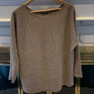 Vince wool sweater in camel color size XS